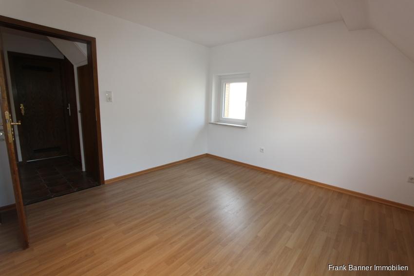 Helle 2 Zimmer mit EBK im schönen Düsseldorf-Unterbach - Schlafen