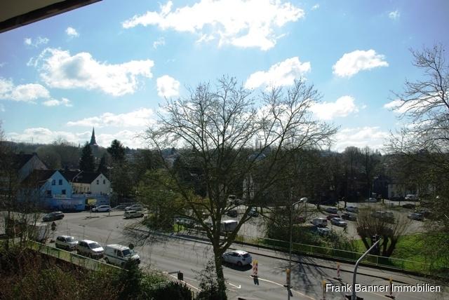 Alt-Erkrath: ZENTRAL WOHNEN 3 Zimmer mit Balkon - Balkon Ausblick