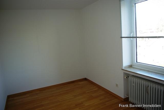 Alt-Erkrath: ZENTRAL WOHNEN 3 Zimmer mit Balkon - Kind