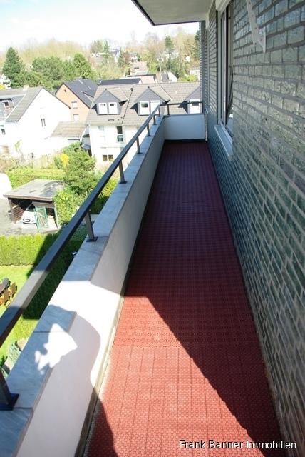 Alt-Erkrath: ZENTRAL WOHNEN 3 Zimmer mit Balkon - seitlicher Balkon